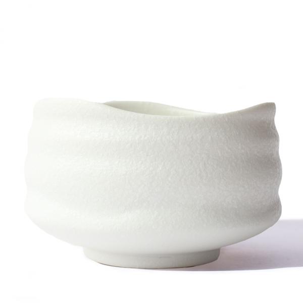 white-dots-matcha-bowl